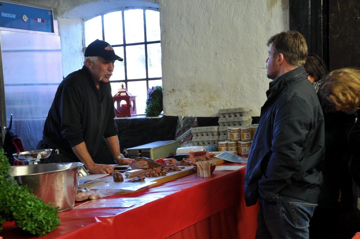 På Björkdals gård sålde Ulla-Britt och Micke Öhman lamm i alla former. Foto: Bengt Grönkvist