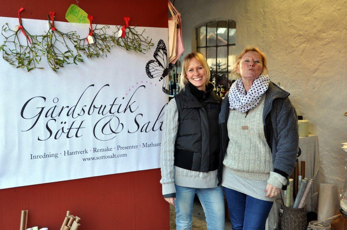 Frida och Agneta Sjöstedt visade gårdsbutikens varor. Foto: Bengt Grönkvist