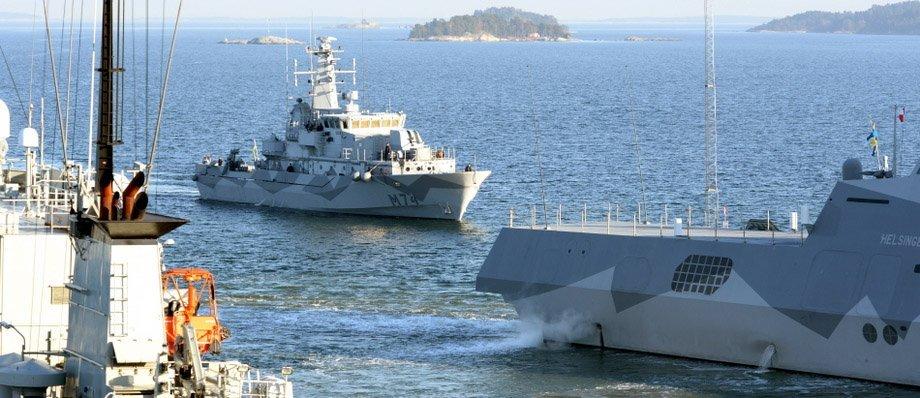 I ubåtsjaktövningen deltar både minröjningsfartyg och korvetter. Foto: Magnus Jirlind/Försvarsmakten