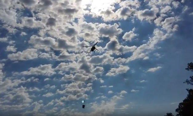 Helikopterföretag flyger betong till Månsholmen, Muskö