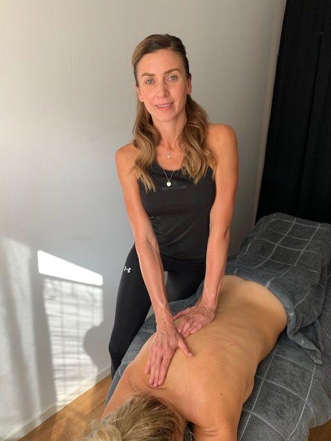 Sofia Hermelin - Diplomerad, certifierad medicinsk massageterapeut